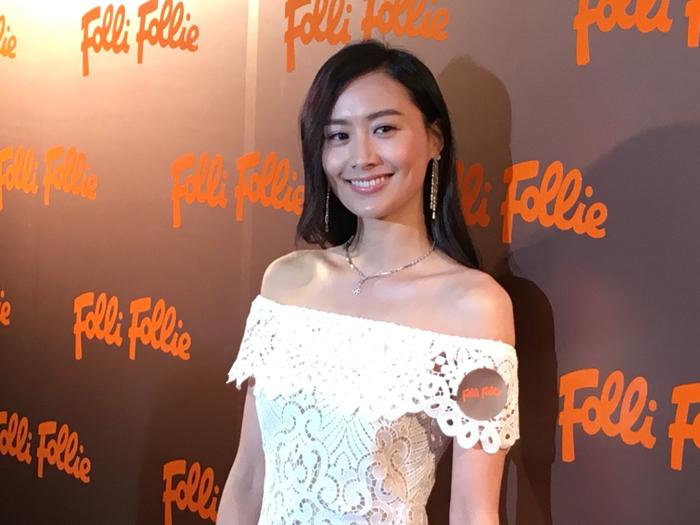 陳法拉返香港搵銀
