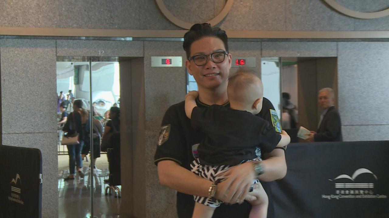 (國語)蘇永康現身香港書展 自爆峇里島曬傷脫皮經歷