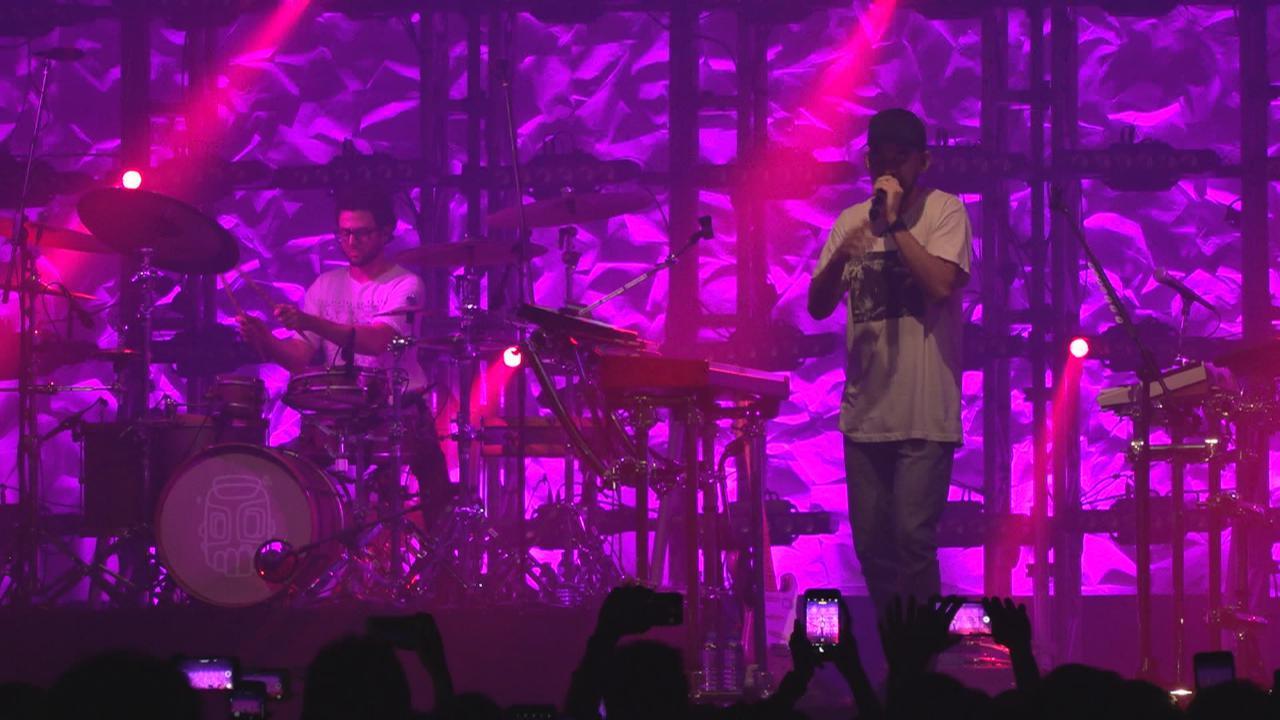 (國語)LinkinPark成員MikeShinoda以個人身份香港開唱 現場氣氛非常熱烈