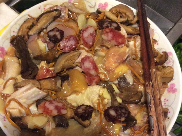 衛志豪教你整臘腸雲耳蒸雞+炒菜 part 2
