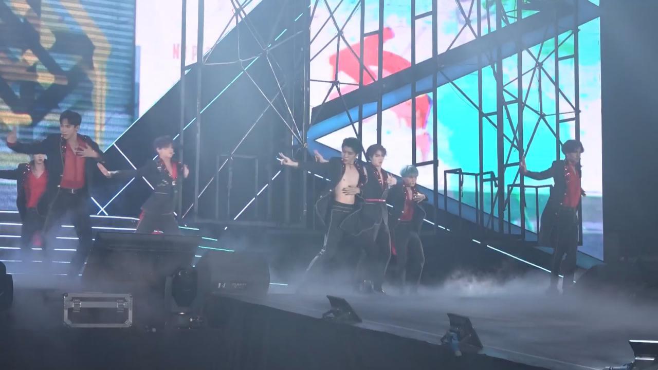 (國語)樂華七子NEXT廣州粉絲見面會 勁歌熱舞台下尖叫聲不斷