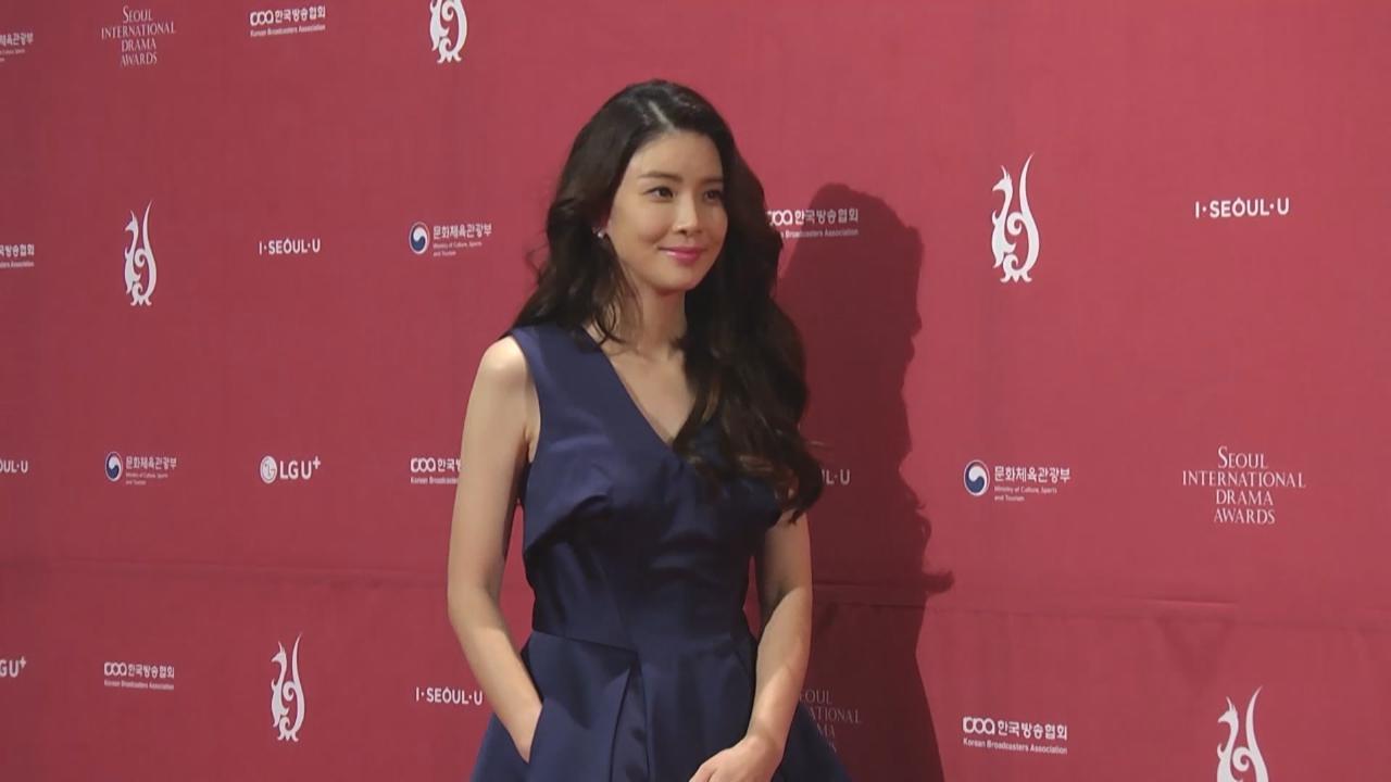 陀B出席首爾國際電視節 李寶英登視后寶座