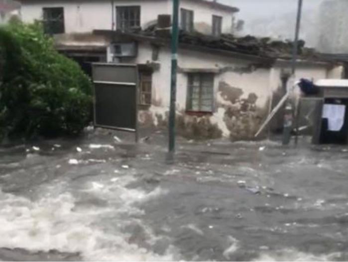 颱風令西貢多處水浸