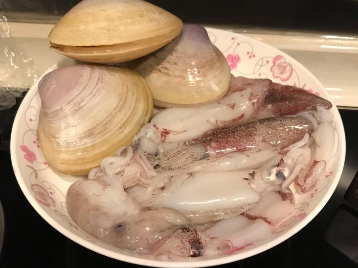 衛志豪深宵食堂煮墨汁意粉