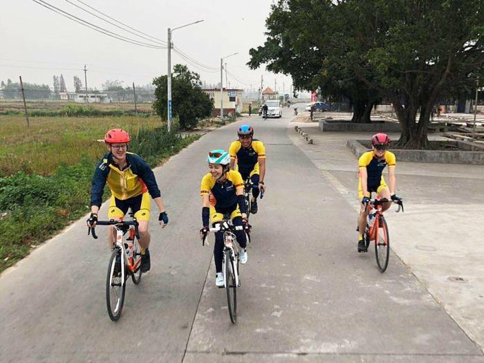 麥明詩踩單車去柬埔寨1