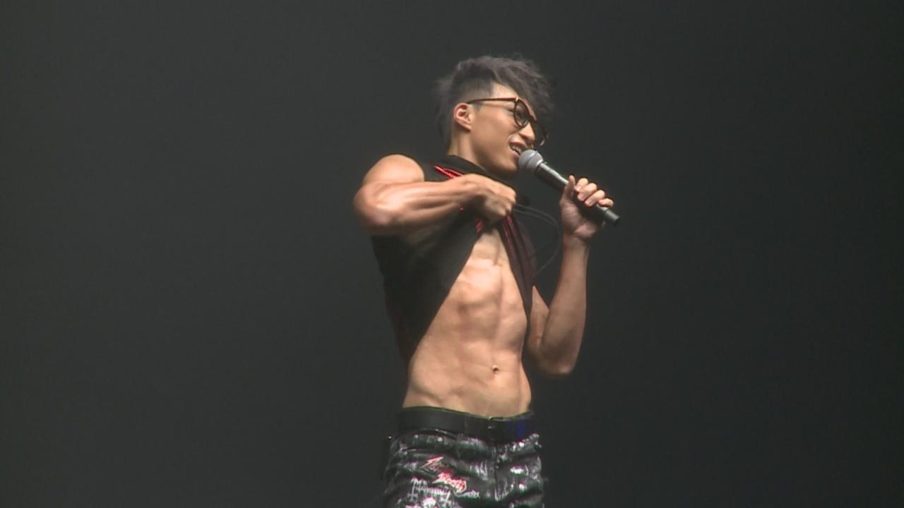 (國語)吳業坤再踏紅館舉行個唱 勁歌熱舞炒熱全場氣氛