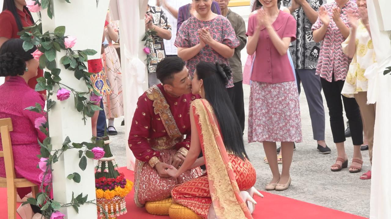 與陳山聰拍泰式婚禮戲份 姚子羚指拍吻戲駕輕就熟