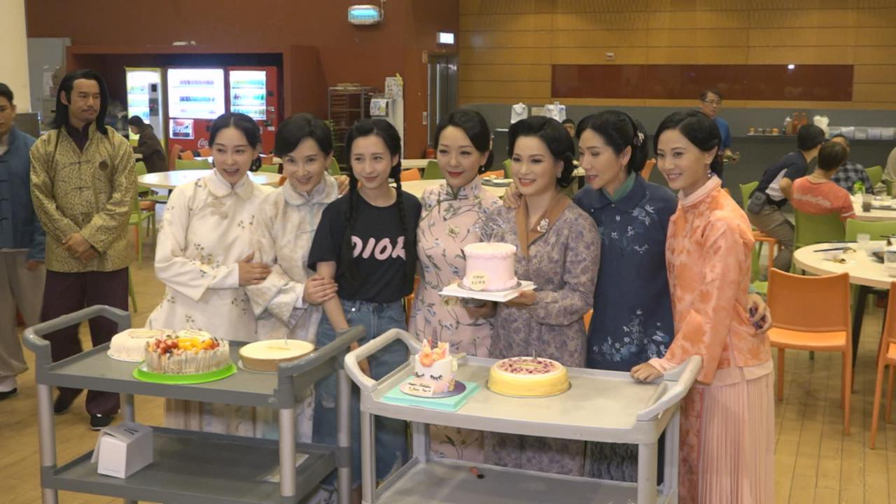 樊亦敏牛一豪請劇組食飯 感謝眾拍檔準備生日驚喜
