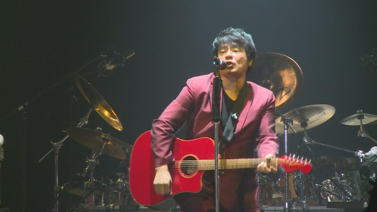 (國語)ASKA舉行香港演唱會 自彈自唱氣氛高漲