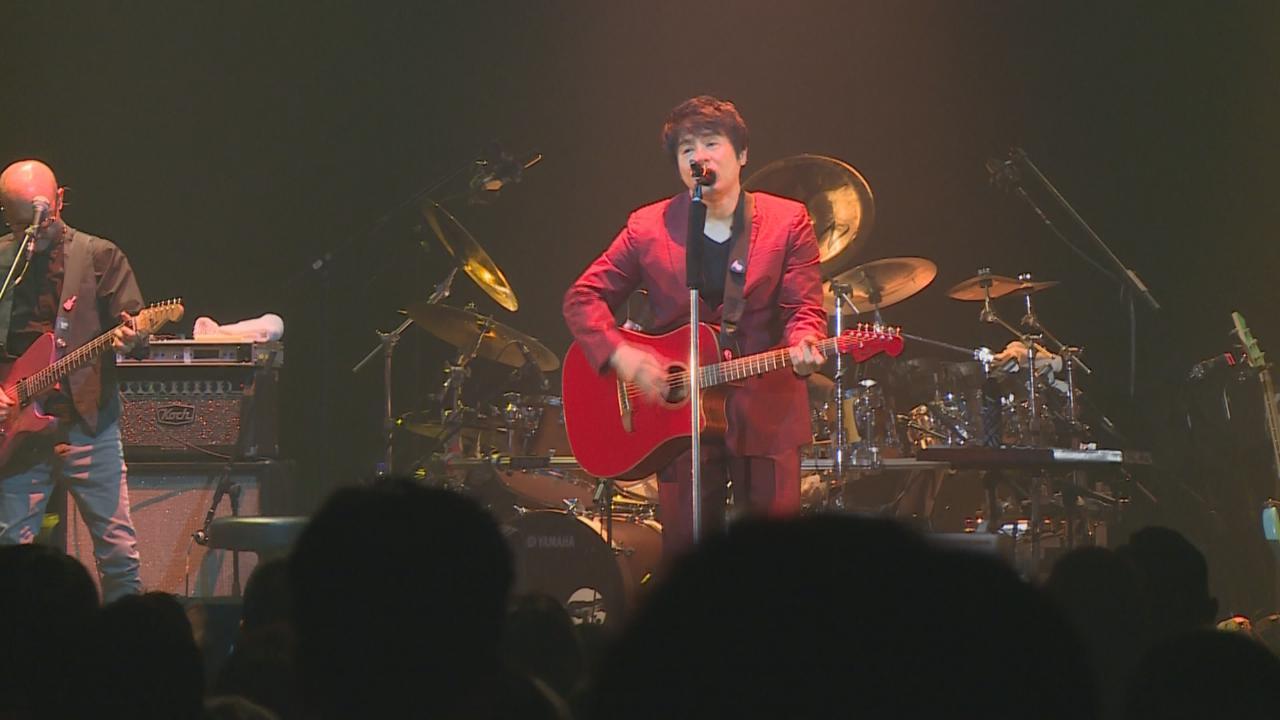 ASKA舉行香港演唱會 自彈自唱氣氛高漲