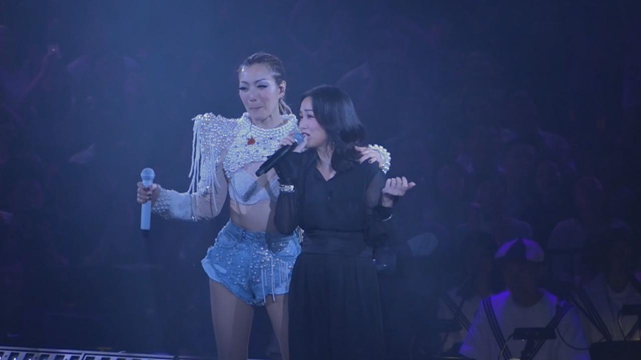鄭秀文演唱會第五場 邀謝安琪擔任嘉賓
