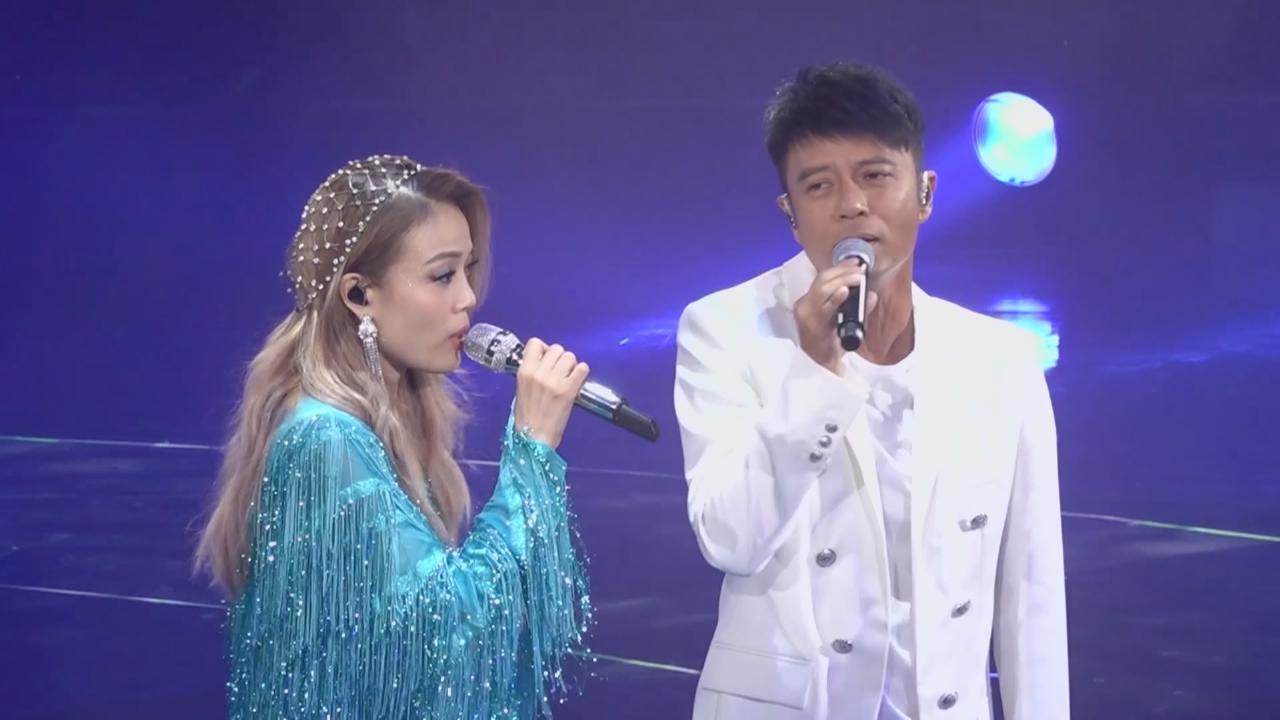 容祖兒第五場演唱會 邀好友李克勤任嘉賓