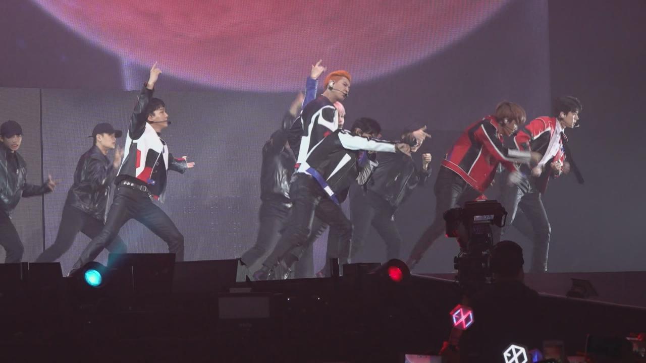 EXO巡唱香港站開騷  六子化身賽車手勁歌熱舞