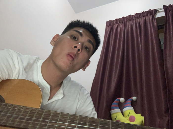 its guitar time