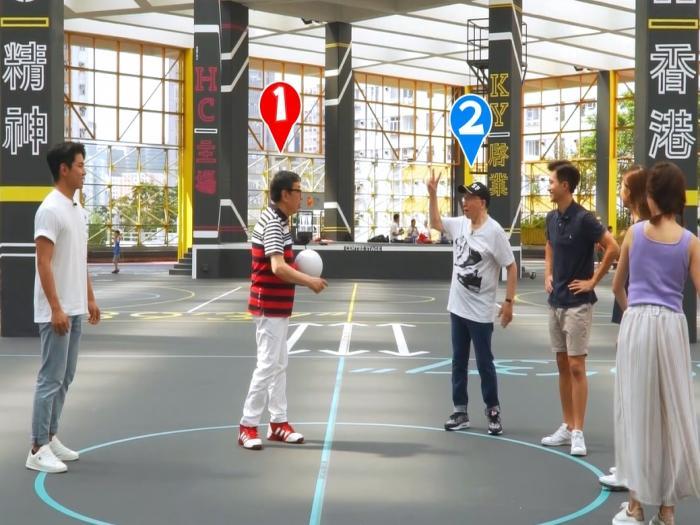 兩個小生帶隊玩數字球