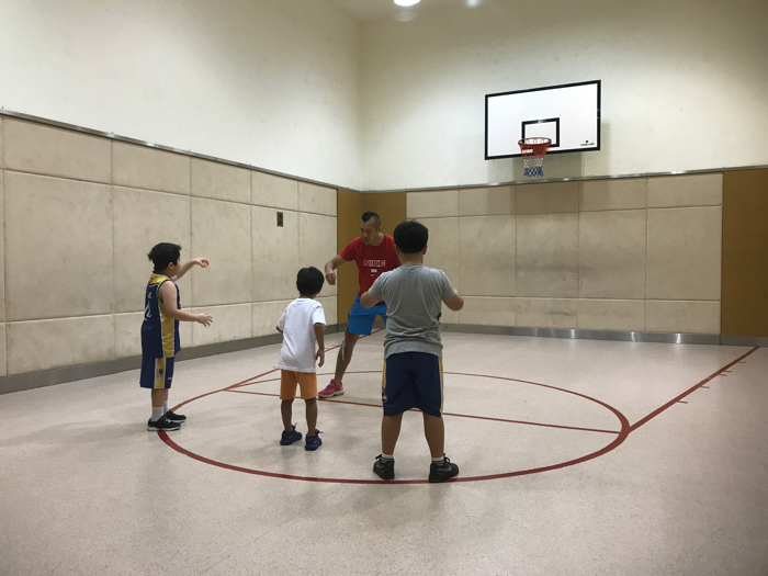 Aaric basketball 志志 打籃球