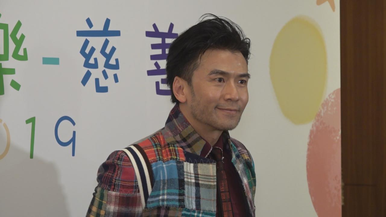 五十歲唐文龍愛與小朋友相處 享受單身未有成家立室計劃