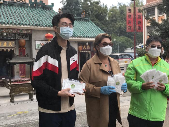 疫境同行派口罩肥媽陸浩明