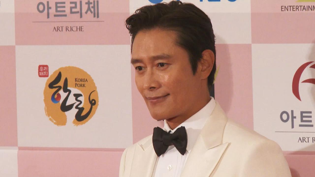(國語)韓國第56屆大鐘獎盛大舉行 上流寄生族囊括五獎成大贏家