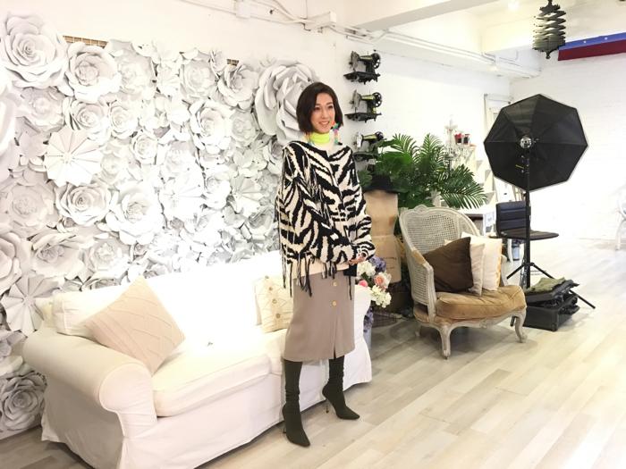 鍾嘉欣拍MV探班
