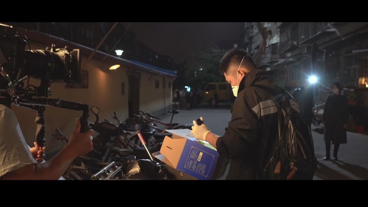 在一起中飾演疾控調查員 黃景瑜李小冉對行業加深認識