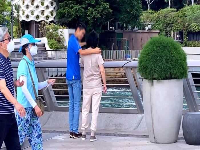 東張揭發尖沙嘴扮遊客摸女士胸鹹濕仔 鹹豬手片段助警方迅速拘捕一名疑犯