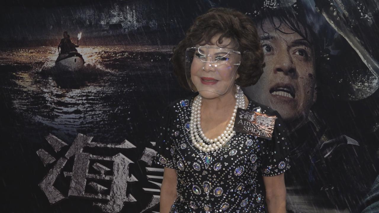黃夏蕙出席電影特別場 與兒子食飯慶祝母親節