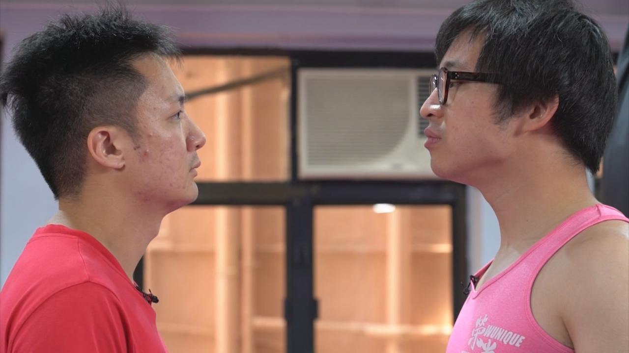 是非精孖博士為鍾林測拳力 二人對實力充滿自信