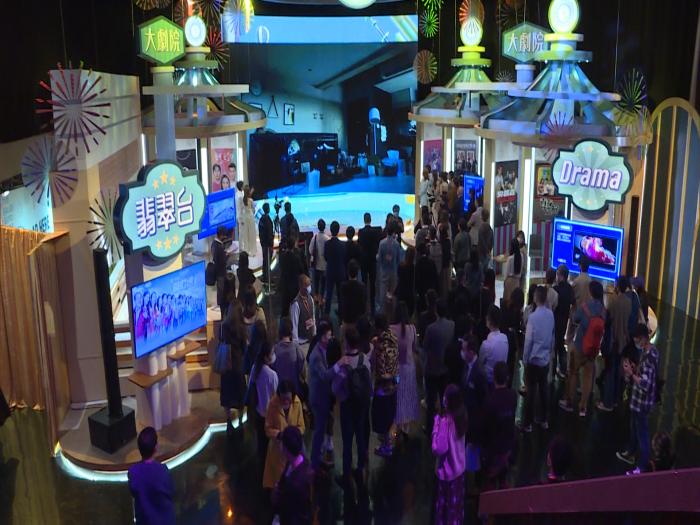 超過200藝員又演又唱又跳又打麻雀盡SELL TVB 55週年大型綜藝戲劇